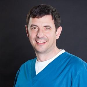 Dr. Dragoș Calangiu